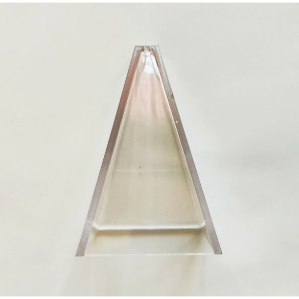 Piramis gyertyaöntő forma